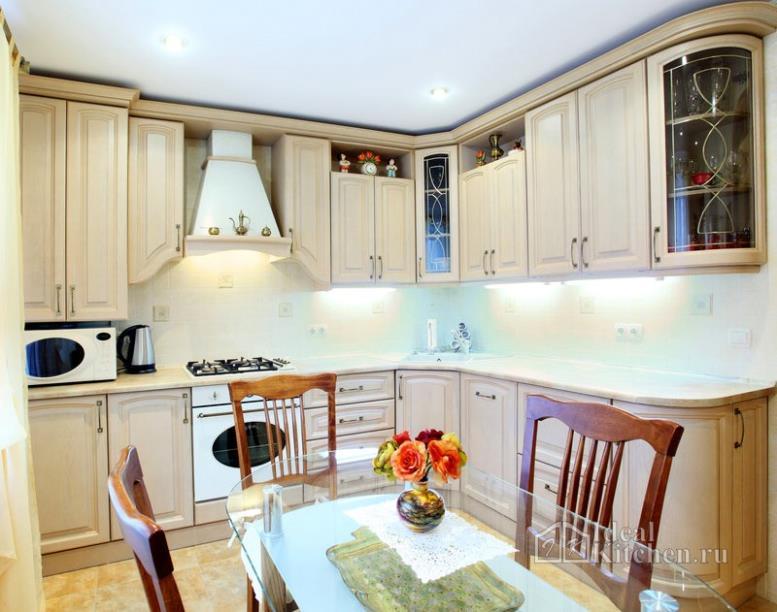 Классические кухни - 118 реальных фото