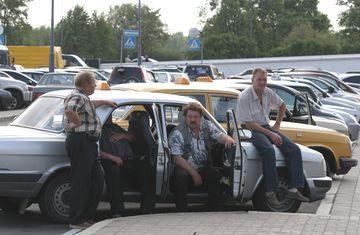 Бомбилы работающие в такси нелегально