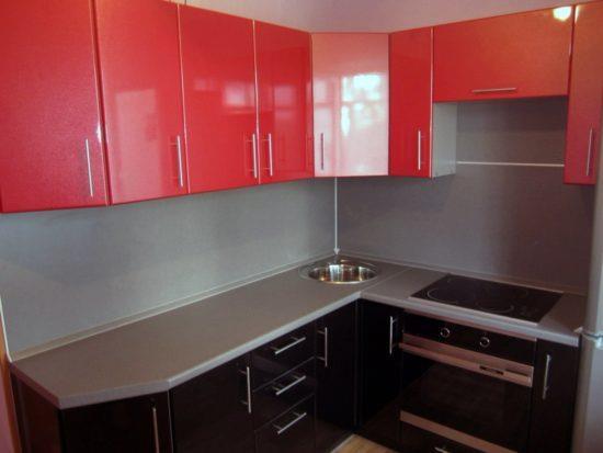 Кухня с фасадами с пленкой ПВХ