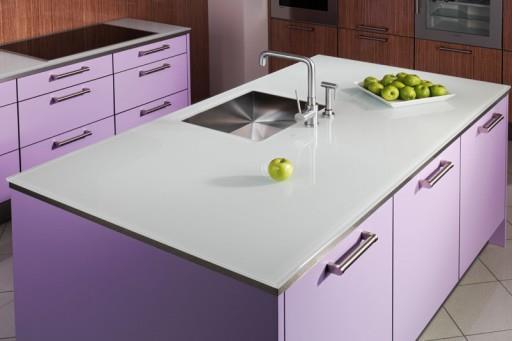 Столешница на кухне должна быть и удобной, и красивой