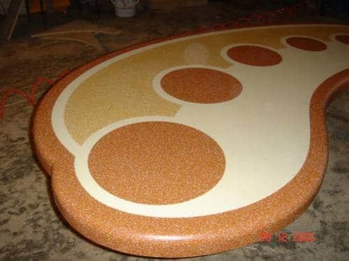Оригинальный вариант оформления столешницы из искусственного камня