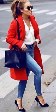 Сумка к красному пальто