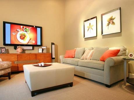 бежево-серый диван