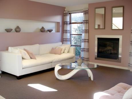 белый диван