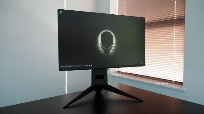 Лучший игровой монитор - Alienware 25