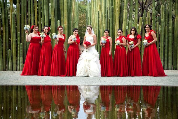 Модный цвет свадьбы 2019 года - красный
