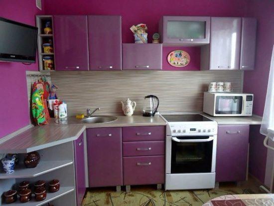 Кухонные гарнитуры для маленькой кухни: решаем проблему дефицита пространства