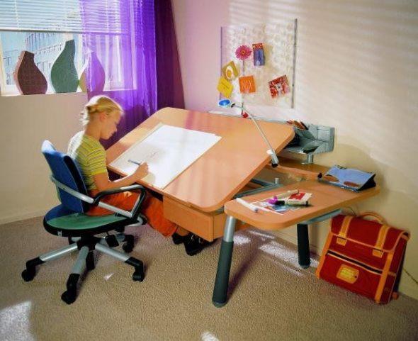 парта и стул для школьника