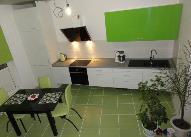 кухня зеленый пол