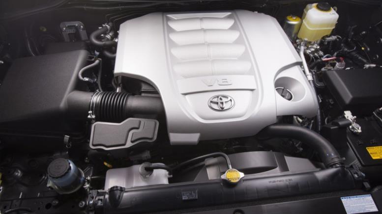 Под капотом 2013–15 Toyota Land Cruiser North America (URJ200) '2012–15