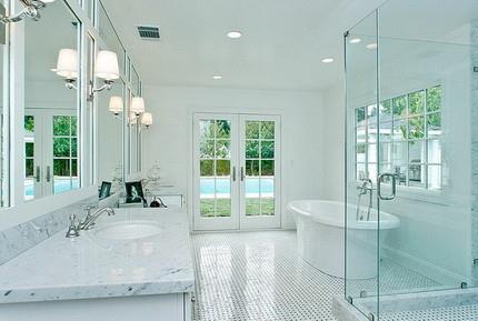 Какой потолок выбрать для ванной