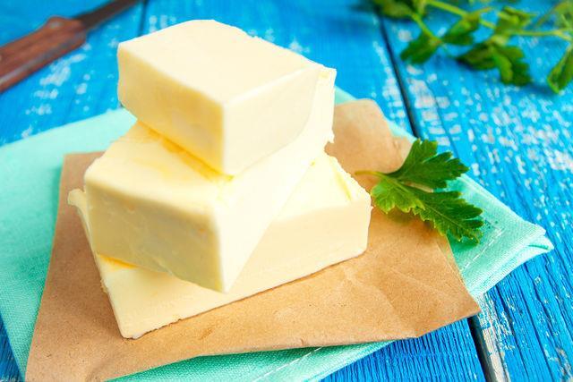 Хорошее масло, натуральный источник витаминов, минералов и микроэлементов, необходимо для работы мозга, увлажнения и питания кожи