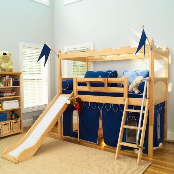кровать для мальчиков замок