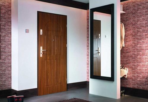 Как выбрать входную дверь для квартиры или частного дома