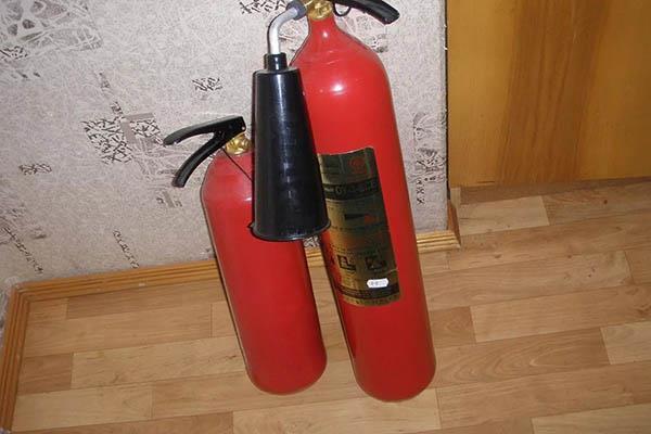 Углекислотный огнетушитель для квартиры