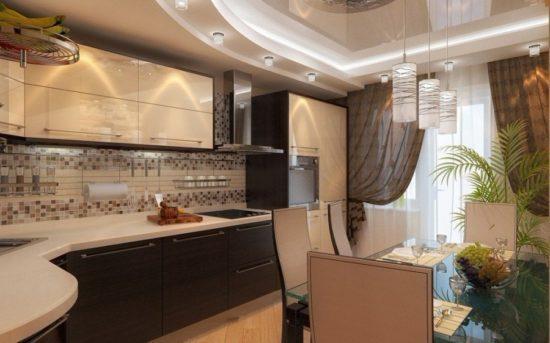 Потолок в коричневой кухне
