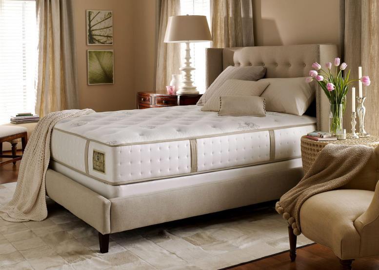 Высота кровати иногда достигается за счет толщины матраса