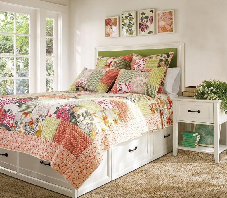 Традиционная кровать подиум с выдвижными ящиками для хранения