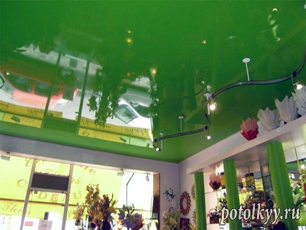 зелёный потолок