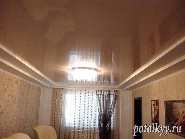 коричневый потолок