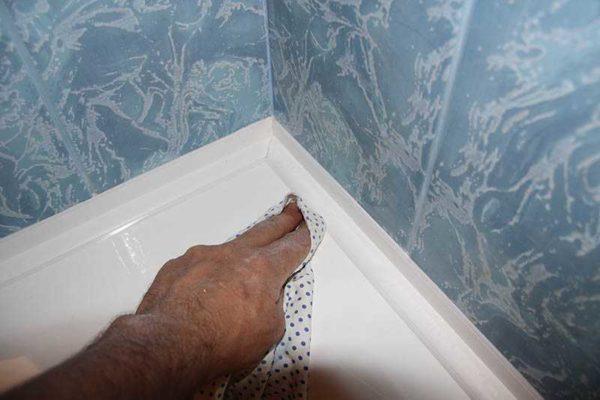 Протереть излишки мягкой тканью
