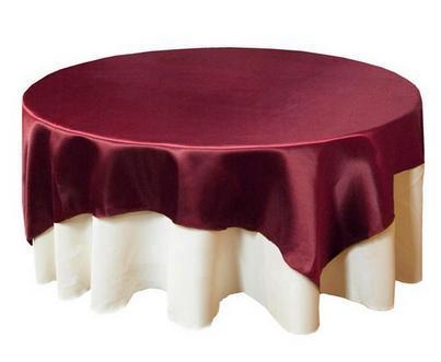 квадратная скатерть на круглом столе