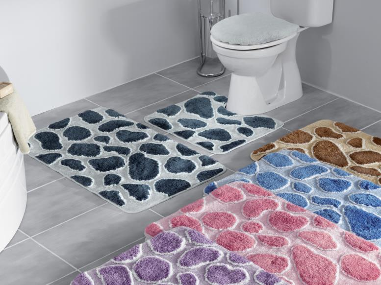 Коврики разных цветов в ванную