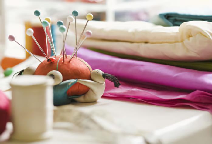 Ткань и швейные принадлежности