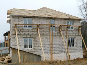 двухэтажный дом из пеноблоков