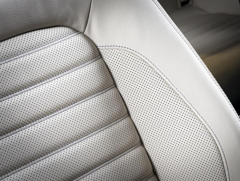 Авточехлы на сиденьях в машине