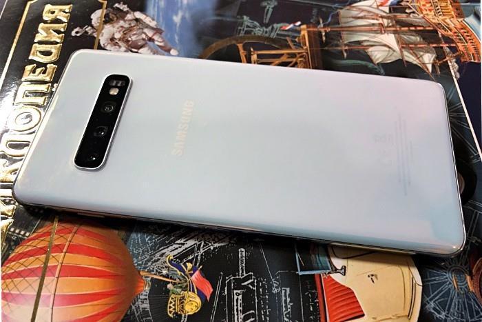 Обзор Samsung Galaxy S10 Plus