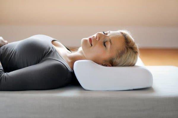 Ортопедические подушки с выпуклыми краями
