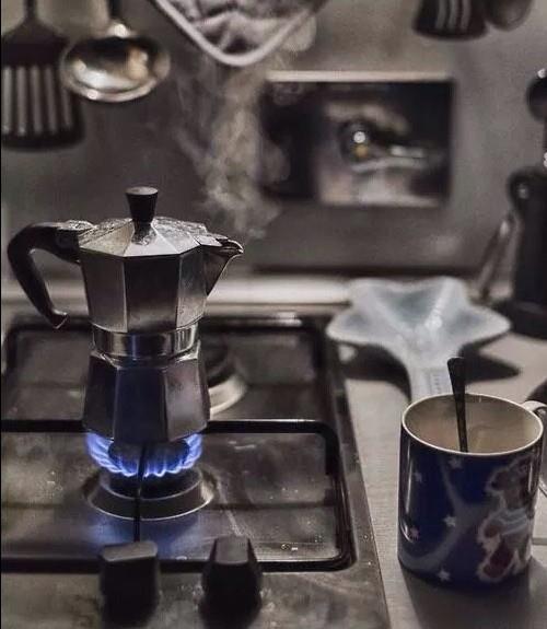 Аромат горячего кофе на каждое утро обеспечен!