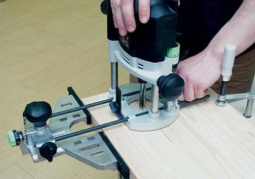 Легкая станина позволяет сделать фрезерование максимально точным.