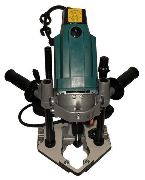 Рукоятки расположены на минимальном расстоянии от основания инструмента.