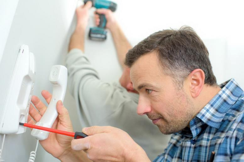 Для установки и настройки видеодомофона лучше всего воспользоваться услугами специалистов