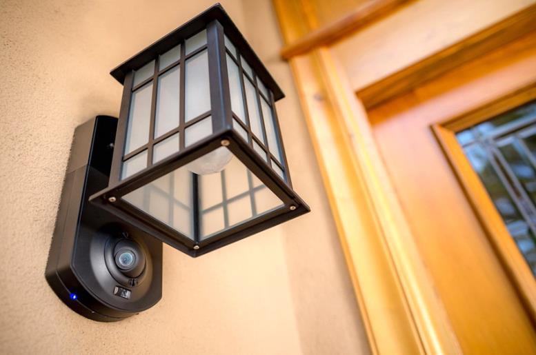 Камера видеонаблюдения домофона может находиться отдельно от переговорного устройства