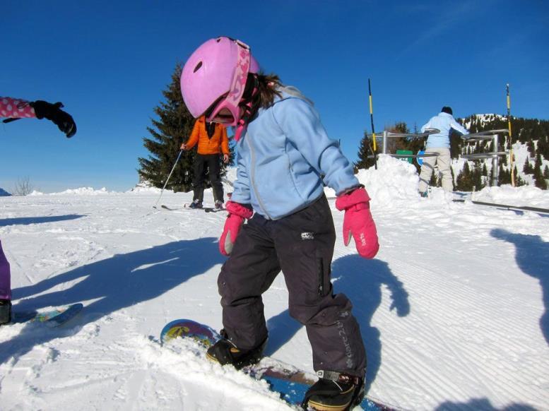 Девочка и сноуборд