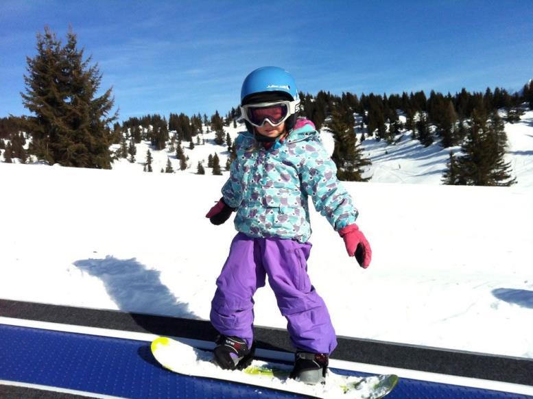 Ребёнок на сноуборде