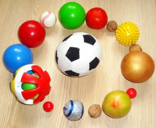 Маленькие и большие мячи для детей