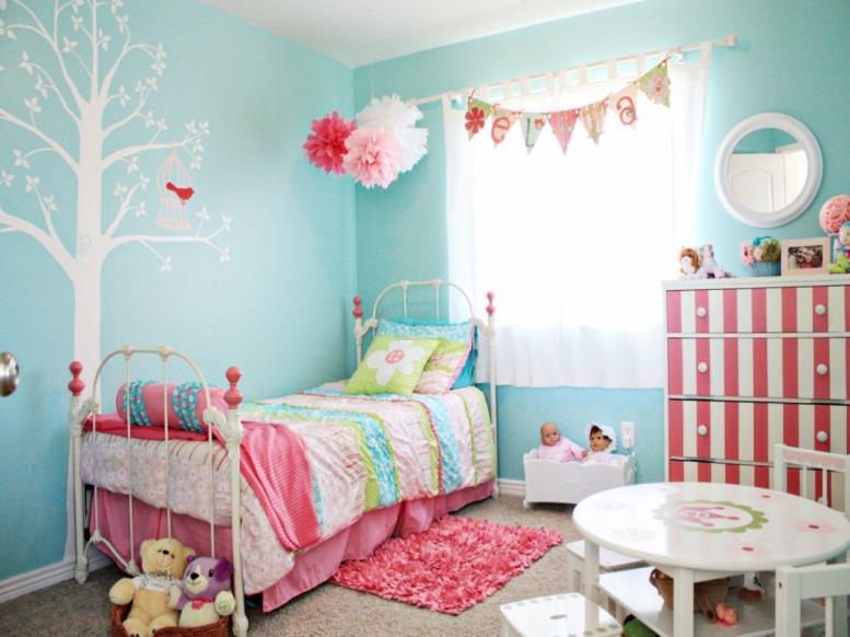 бирюзовые оттенки в комнате девочки