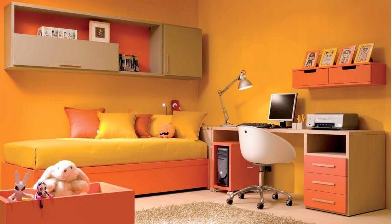 оранжевые обои в комнате девочки