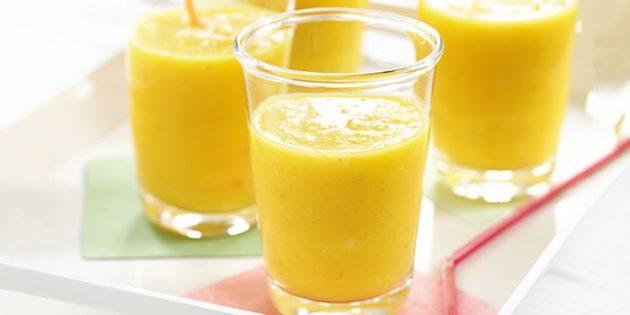 Апельсиновый смузи с манго и бананом