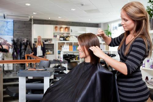 Мелирование волос в салоне или дома?
