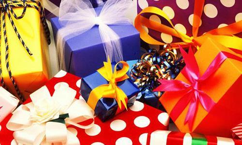 Секреты упаковки подарков и правила цветовой гаммы