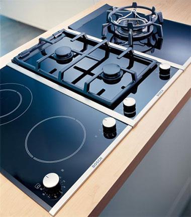 Газовая плита может быть комбинированной - иметь газовые и электрические горелки