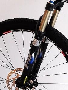 Вилка для велосипеда на переднем колесе