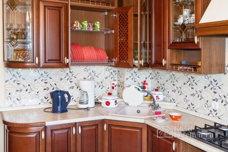 Коричневые кухни - 106 фото
