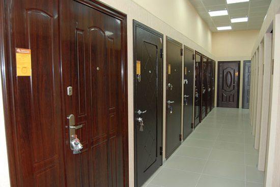 Дизайн двери подбирайте под интерьер квартиры
