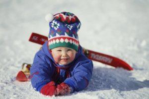 с какого возраста ставить ребенка на лыжи